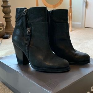 Vince Camuto Hinnegan Ankle Booties